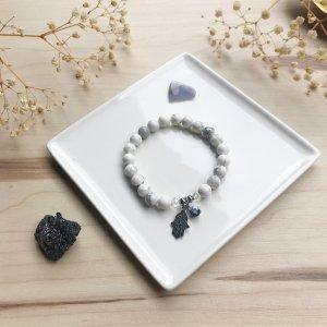zenya - howlite - hamsa - main - bracelet