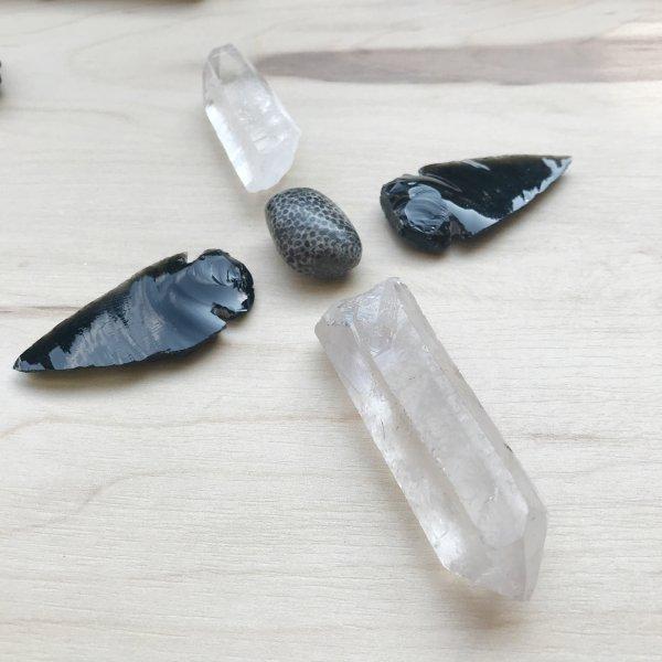 croix - mandala - pierres - crystal - obsidienne