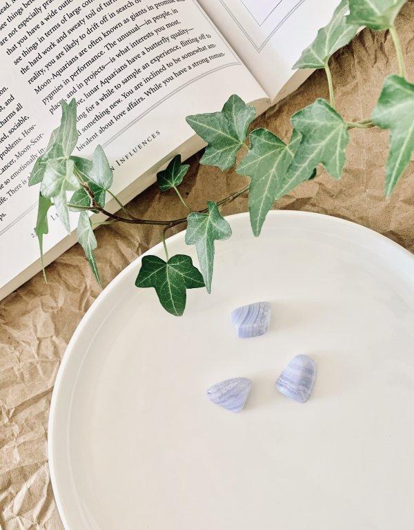 agate - dentelle - bleue - cristaux