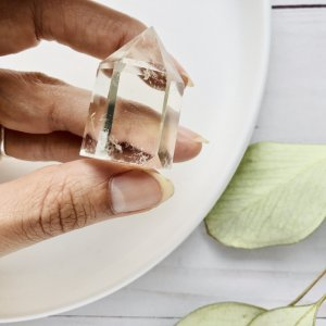pointe - quartz - cristal - obelisque